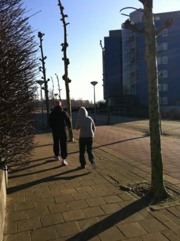 Onze kanjer 'Rocky' op pad met haar personal trainer